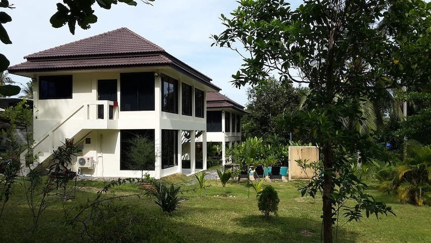 Twin Villas house+apartment with swimming pool