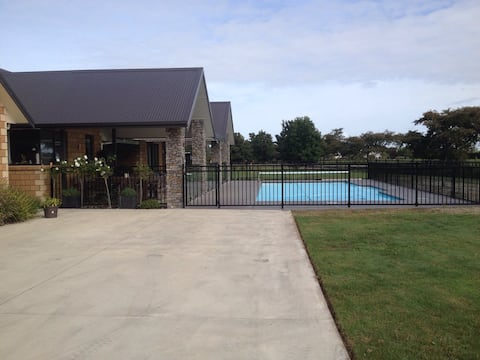 Broadmeadows Abode