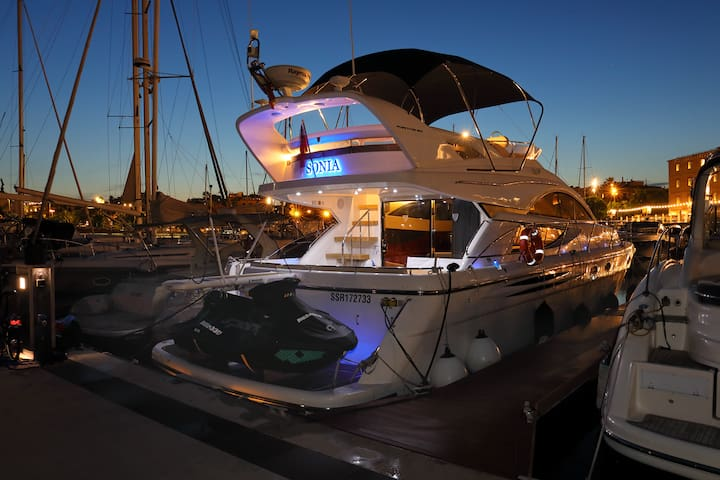 Luxury Yacht in centre of  Barcelona