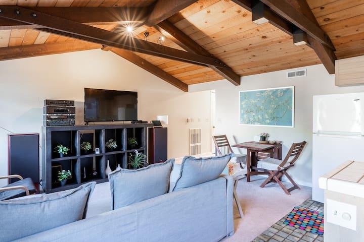 C3 - Cozy Cottage @Cupertino