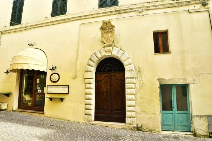Sirolo appartamento climatizzato in antico palazzo