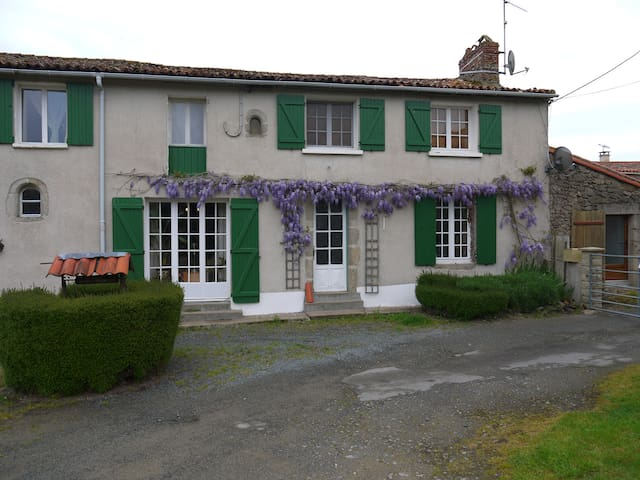 la revaudiere chambres d'hote - Bressuire - Bed & Breakfast