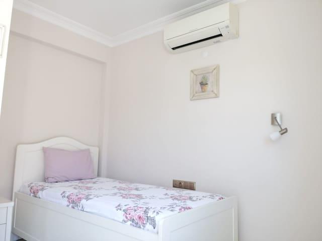 bedroom-2.