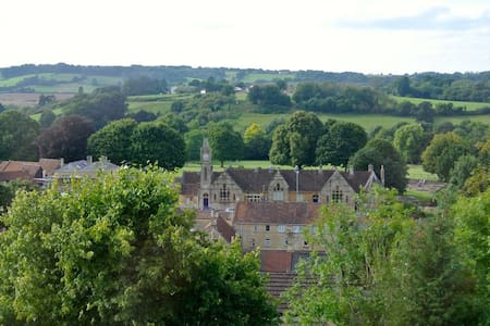 Grand & Gorgeous Victorian House, Nr. Bath (KMR) - Box - Dom