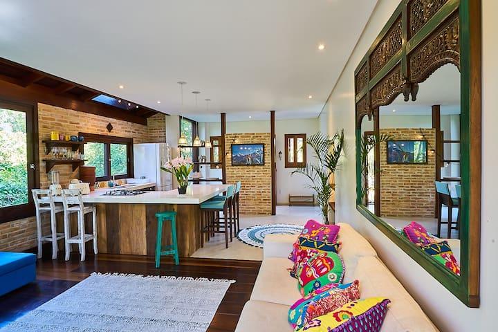 Casa Bali a 150m da praia - Barra de Ibiraquera