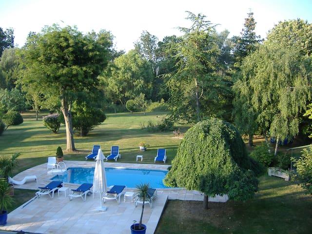 MAISON T2 parc piscine banlieue LA ROCHELLE - Charente-Maritime - House