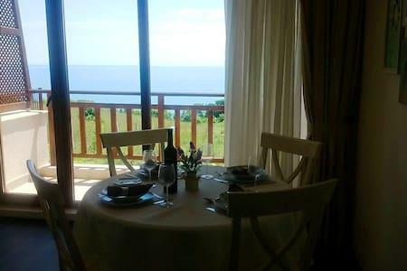 Люксозная Квартира с видом на море