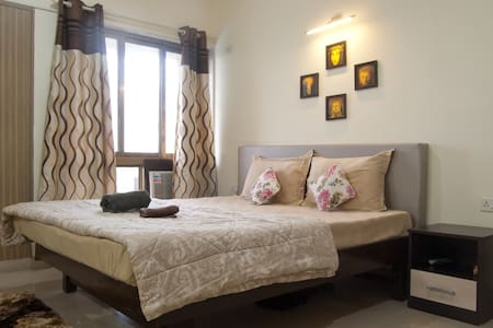 Private Room in The Riviera, Nerul - Navi Mumbai