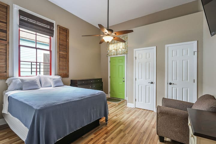 Comfy Home #2 in Bywater New Orleans  19STR-02420