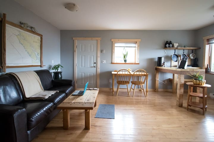 Pacific Rim Vacation Suites - Ocean view, pets ok! - Ucluelet