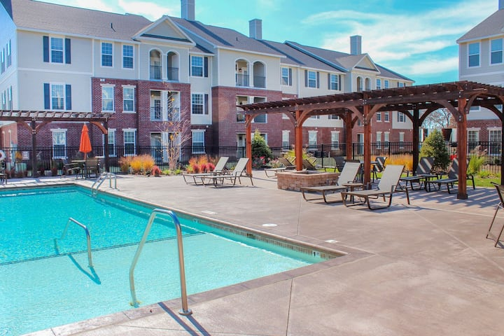 【【BEAUTIFUL,  Furnished Zionsville Apartment!】】