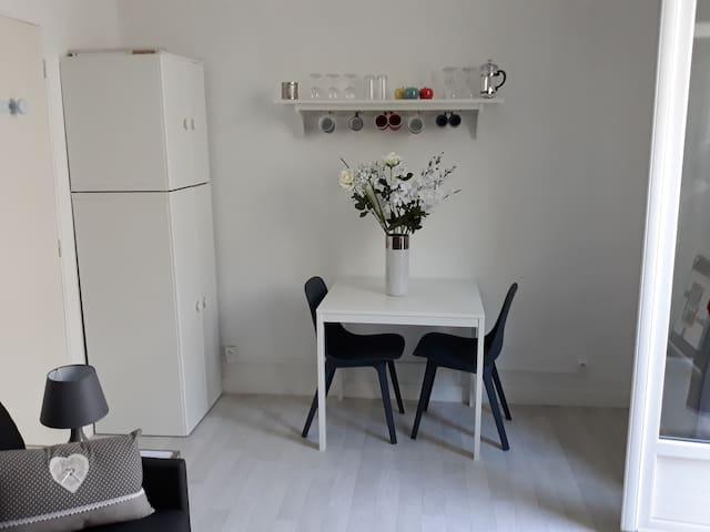 """Agréable studio (Résidence """"Le Splendid"""")"""