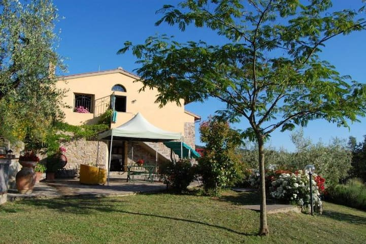 Panoramic holiday house in Mugello, 6 pax - Rufina - Hus
