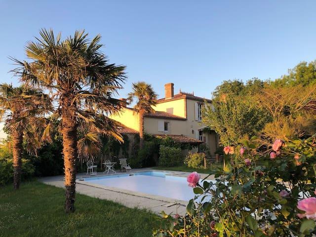 Maison de famille avec piscine-Longeville-sur-Mer