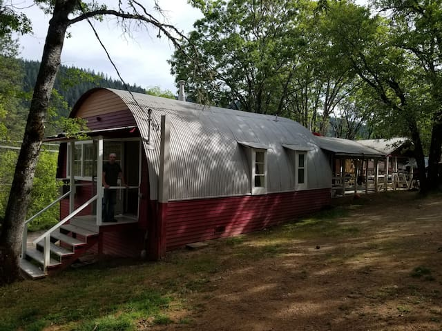 Poolside Split 2 Bedroom Cabin With Covered Patio
