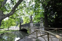 The bridge of lovers in Sempione Park / Il ponte degli innamorati nel Parco Sempione