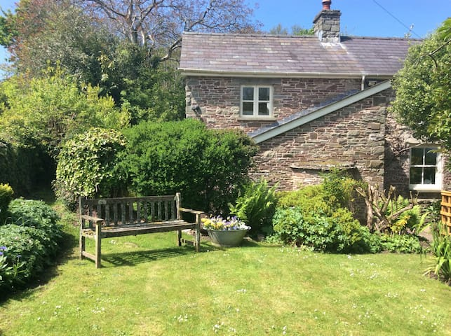 Cottage annex near Crickhowell