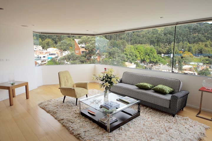 Modern Flat with Stunning View & Great Location - Bogotá - Appartamento