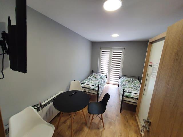 Pokój nr 3 · Pokój dwuosobowy z balkonem / piętro
