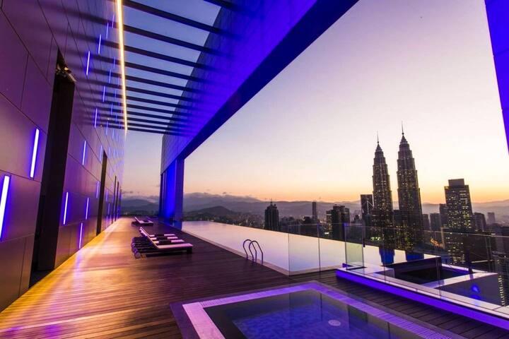 KLCC Petronas Twin Tower 2Br Apt 5pax.100Mpbs WIFI