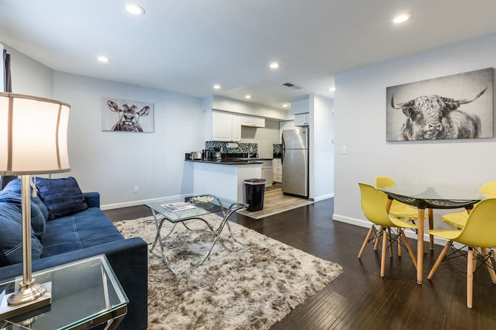 CHARMING 1 BDR IN HOLLYWOOD WITH PARKING #7
