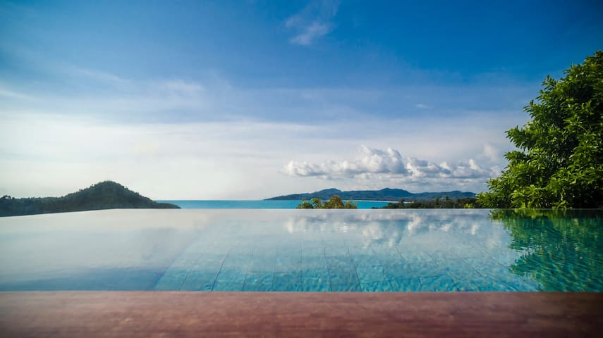 SWEEPING OCEAN VIEWS BY SURIN BEACH @VILLA MALISA