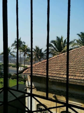 ✴Seafront haven in bandra - flat 2✴