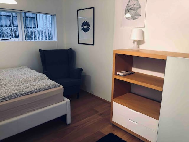 Studio apartment - airport - downtown Reykjavik