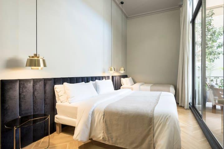 Beautiful Triple Room with Terrace