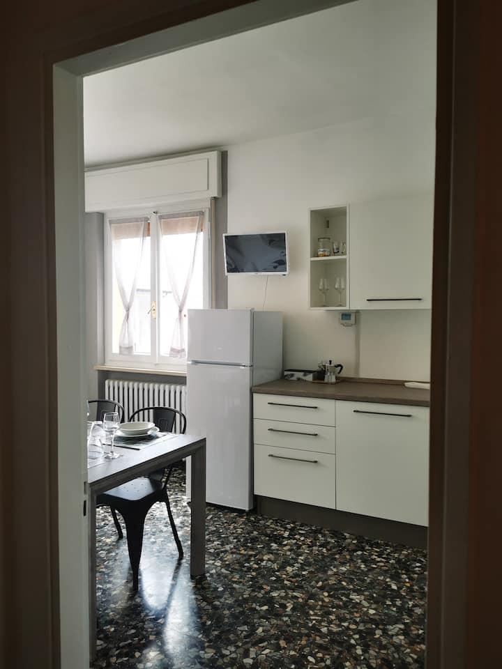 Ampio appartamento con vista Lago da ogni stanza