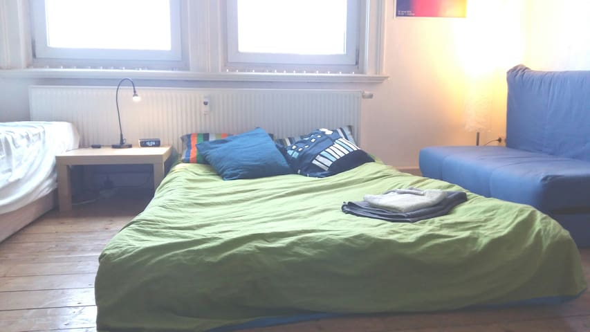 Bright Studio 5min away from the old town - Weimar - Departamento