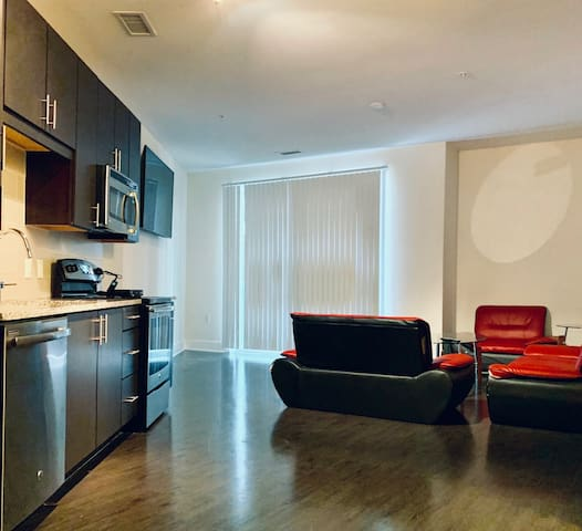Perfect Buckhead Location ! 1 Bedroom apartment