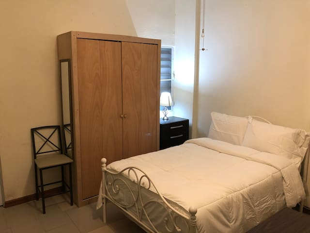 Comfortable studio with A/C and private parking