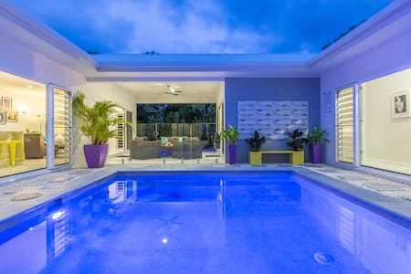 Bluewater Harbour Hideaway Private, Modern Retreat