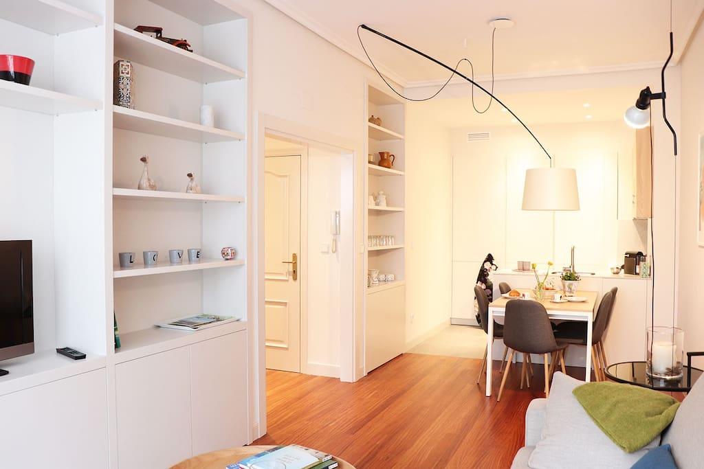 Salon/ salle à manger/ cuisine ouverte