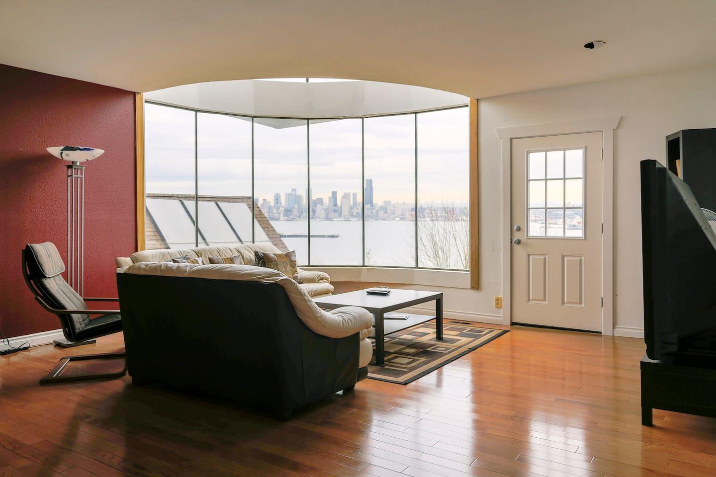 Spacious W Seattle Home w/ Views