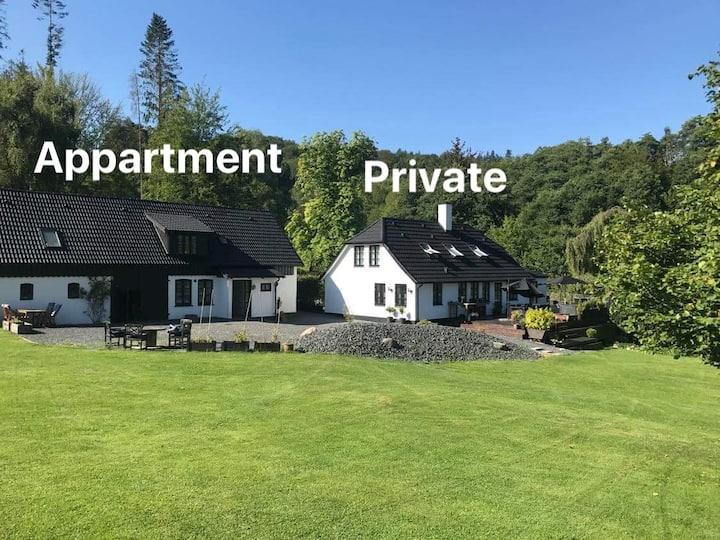 Naturskøn landidyl på Ibækgaarden - I egen bolig