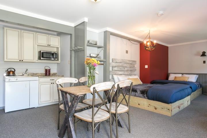 Fireplace Efficiency  2 Queen Beds- Warren Lodge