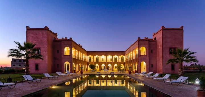 Marrakech, Riad 15 rooms to rent, South pool!