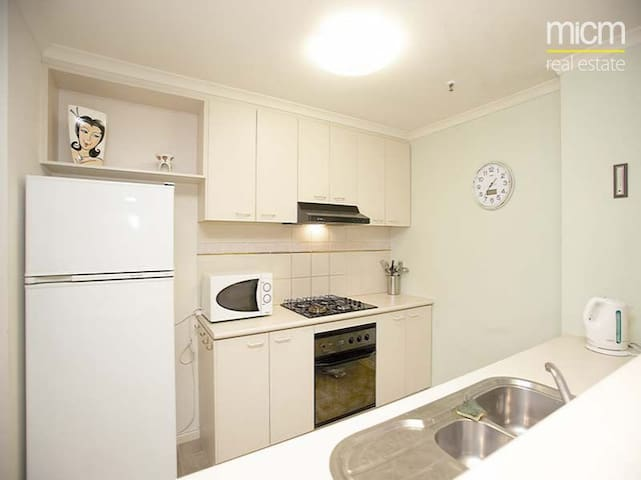 2 Bedroom Apartment in Southbank - Southbank - Apartment
