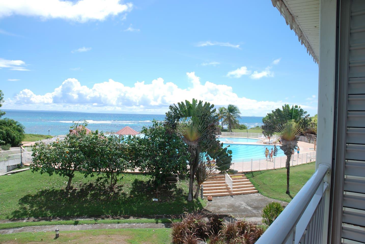 Très belle vue mer et piscine du studio