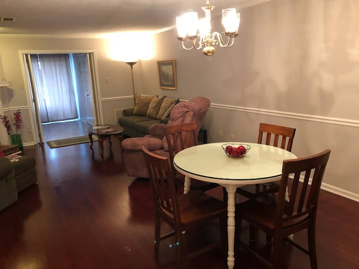 Comfortable Midtown Condo - Unit #2