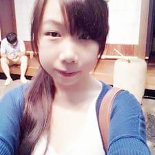 Cheng è l'host.