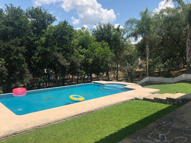 House with pool 40 minutes away from Monterrey, MX