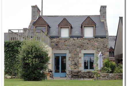 Maison de village de la baie - Rumah