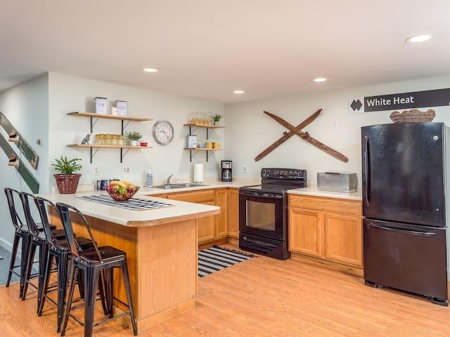 Sunday River Skiway Road apartment