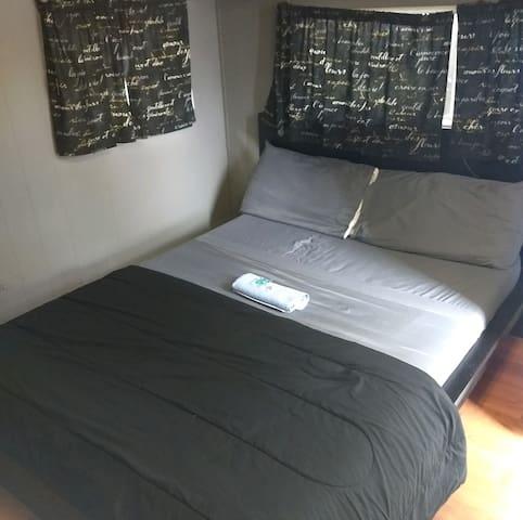 3)Private Studio Style Room Fantastic Patio Area!!