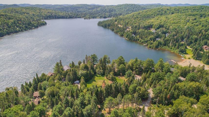 Lac Sarrazin.  Sarrazin Lake.