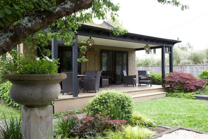 Tranquil retreat in Historical Greytown. - Greytown - บ้าน