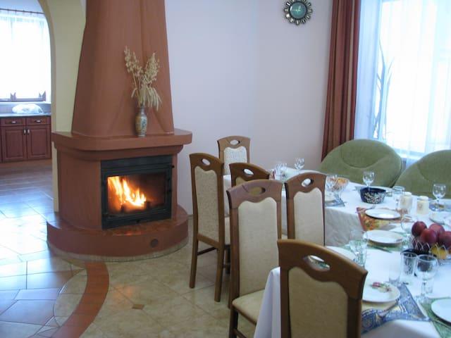 "Усадьба ""У Джулии"" - Kalodziščy - Dům"